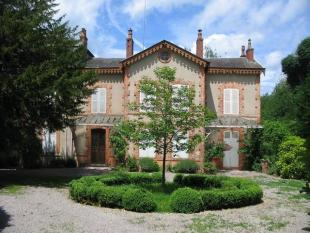 5 bedroom home for sale in Chatillon-En-Bazois...