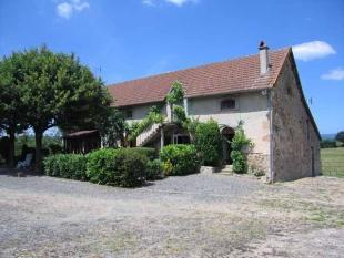 2 bedroom home in Chiddes, Bourgogne...