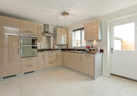 4 bed new property in Hampshire Gardens...