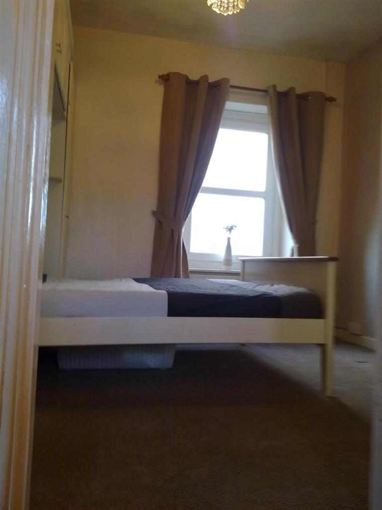 bedroom 1 cumnock no