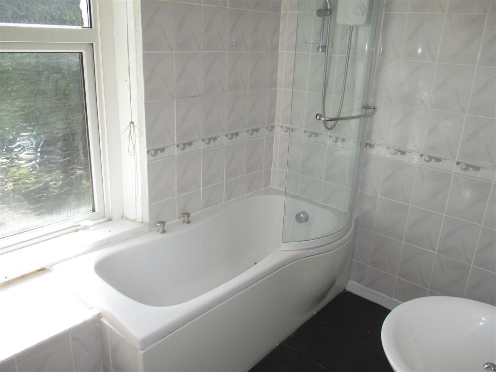 En Suite Bathroom W.