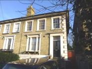 2 bedroom Flat in Windmill Road, CROYDON...