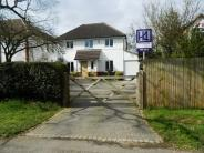 5 bedroom Detached home in Richings Way...