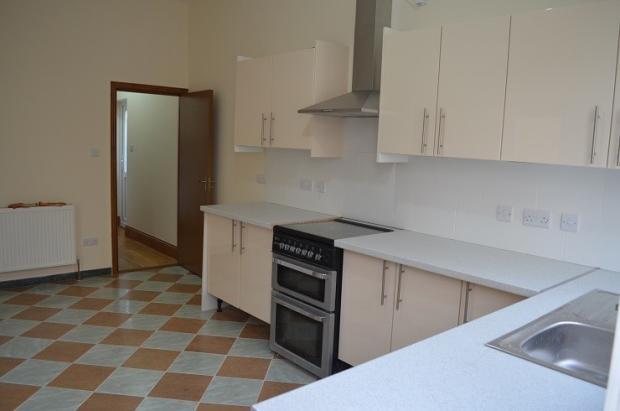 Kitchen S.jpg