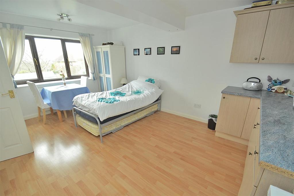 Annex/Bedroom 5