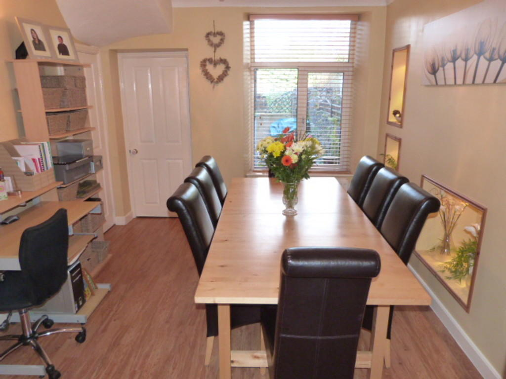 3 bedroom terraced house for sale in 15 queen katherine for Dining room queen street