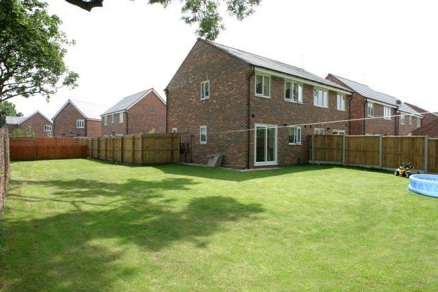 3 bedroom semi detached house to rent in rosewood grove for Home architecture widnes