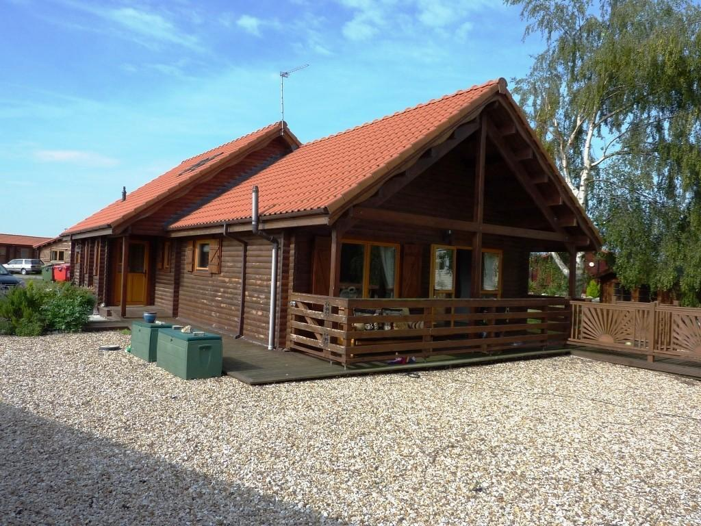 4 bedroom log cabin for sale in the ramparts tattershall