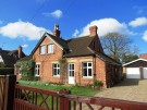 4 bed Detached house in Tor-O-Moor Road...