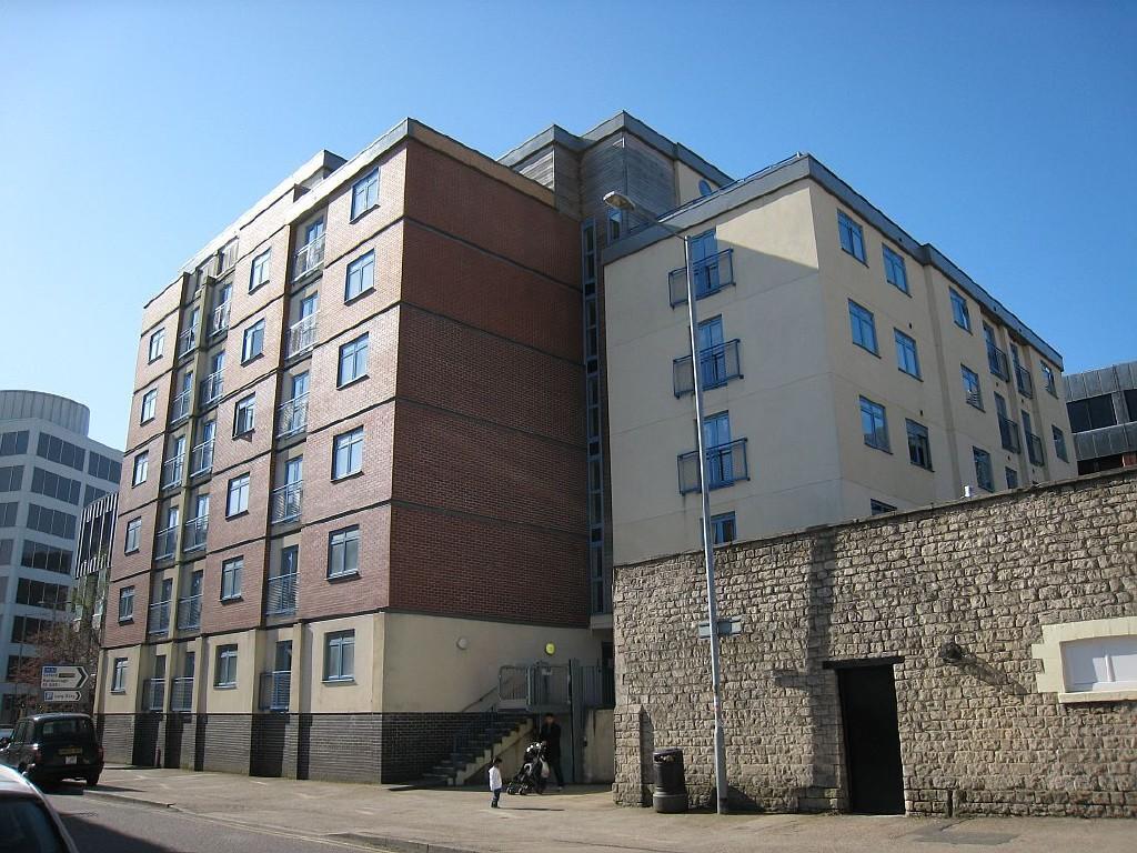1 Bedroom Apartment To Rent In Wellington House Wellington Street Swindon Sn1 1eb Sn1