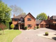 Detached property in Deerhurst Close, CALCOT...