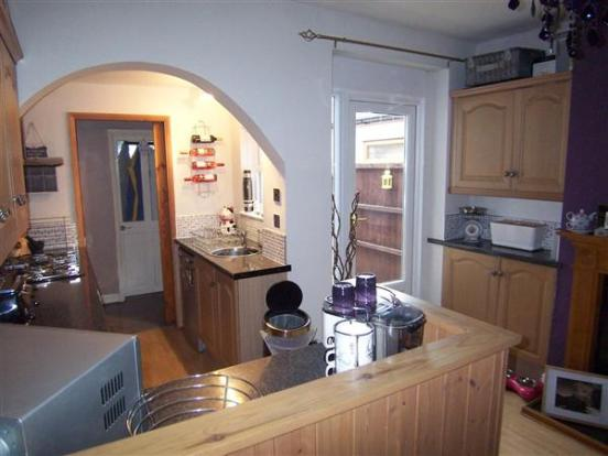 FITTED KITCHEN &