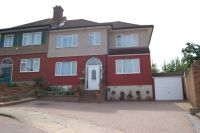 4 bed semi detached house in COLLIER ROW
