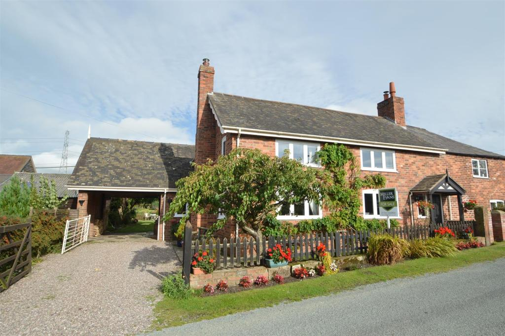 4 Bedroom Semi Detached House For Sale In Windsor Cottage
