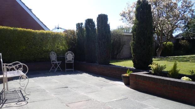 T5572 new garden.jpg