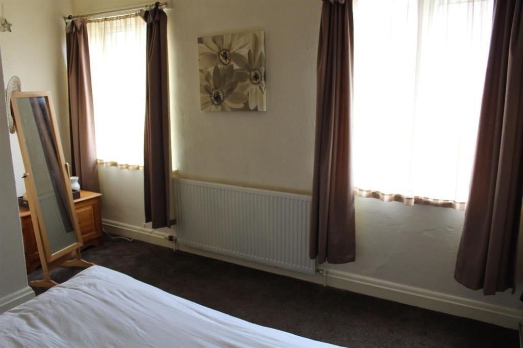 bed 1 x 2.jpg