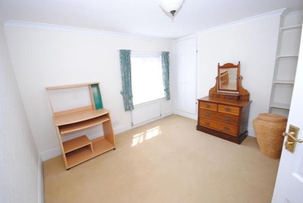 51 CHEAPSIDE RD BED