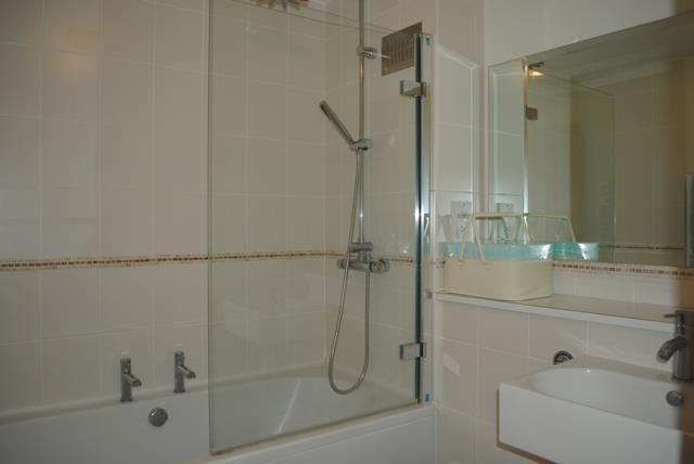 32 Fountain Bath.JPG