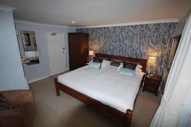 Platinum Room ...