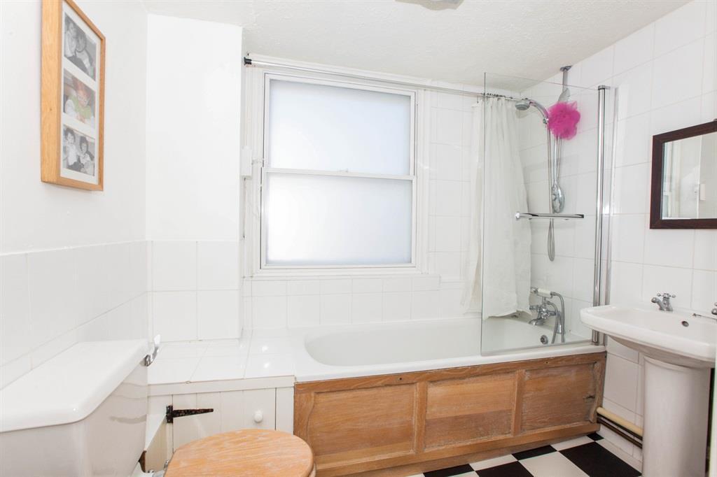 Bathroom 2016.jpg
