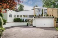 4 bed Detached house for sale in Green Lane, Woodstock...
