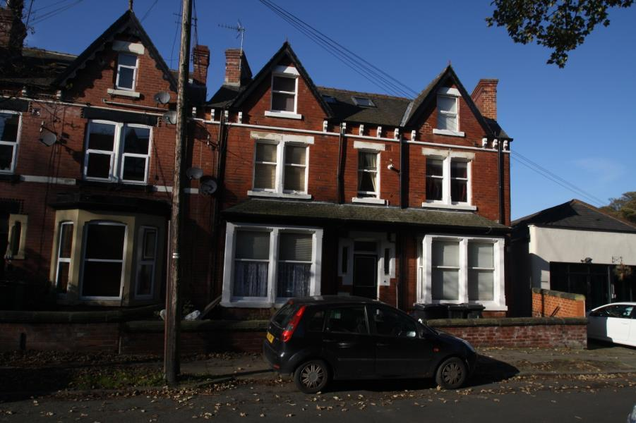 one bedroom flat to rent in leeds 1 bedroom flat to rent in ground floor flat left oakwood