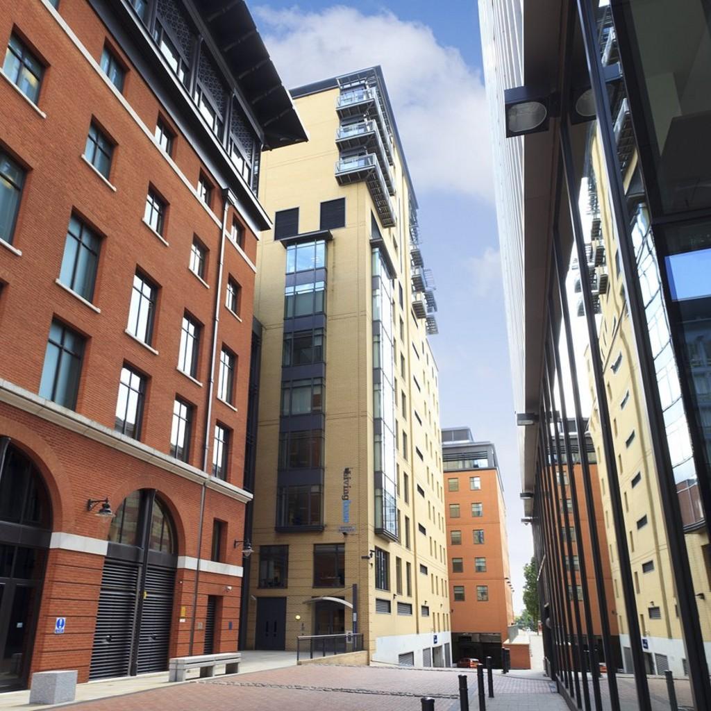 1 Bedroom Apartment To Rent In Brindley Place Birmingham B1
