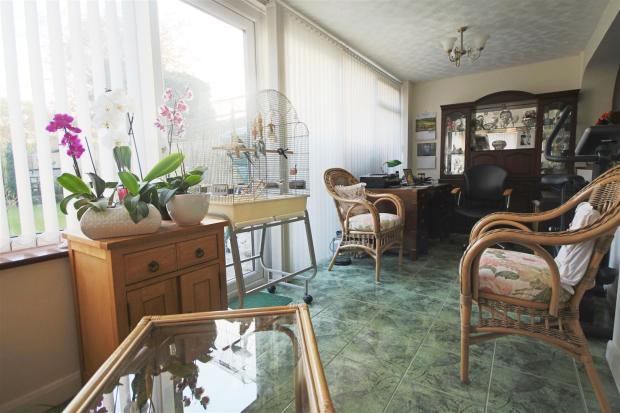 sitting room.JPG