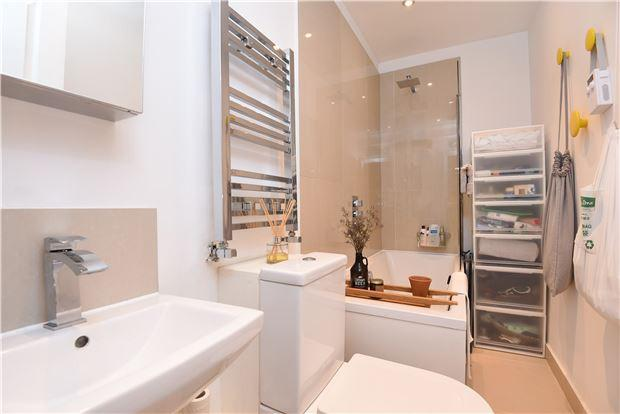 Bathroom (8)c