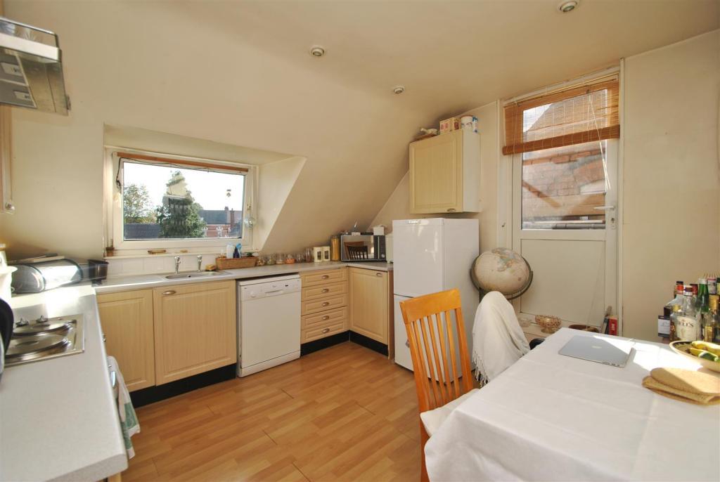 Flat kitchen.JPG