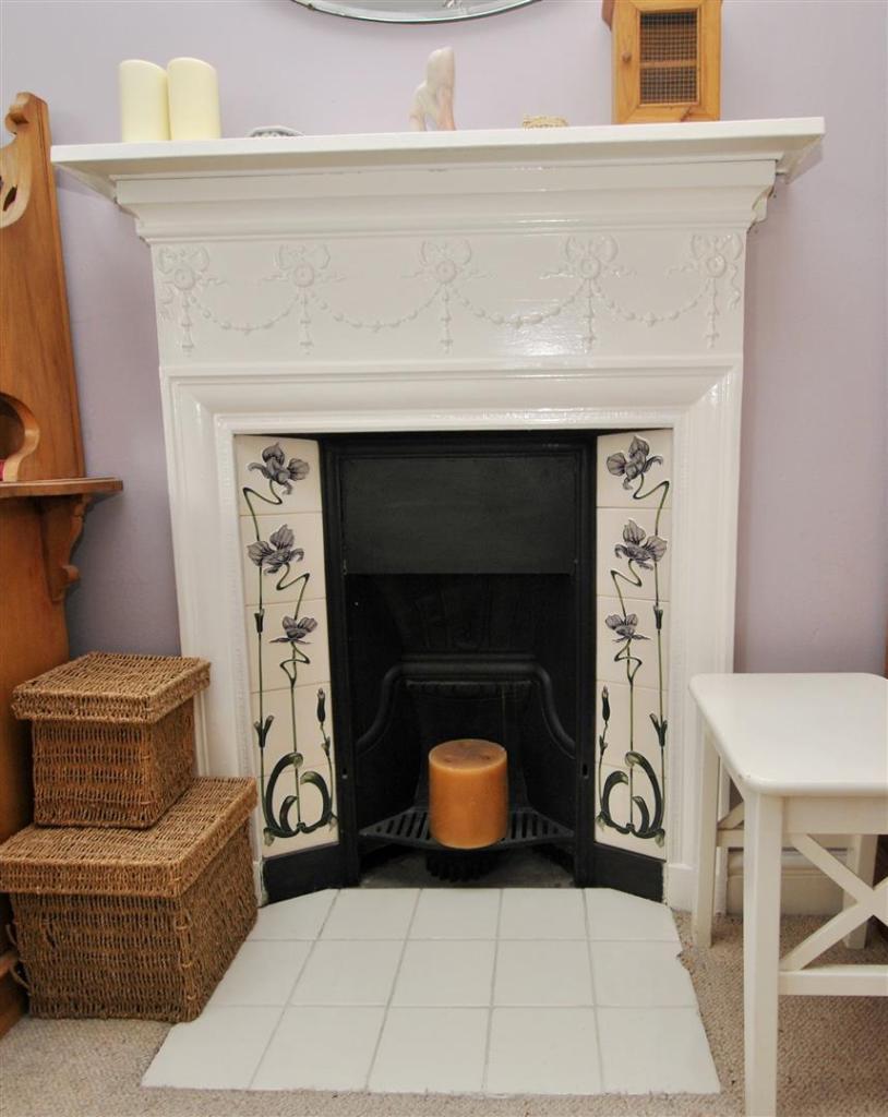 B1 fireplace.JPG