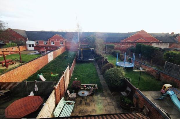 Rear garden fr...