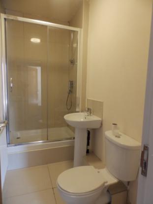 557_192 Emmanuel US Bath 1.JPG