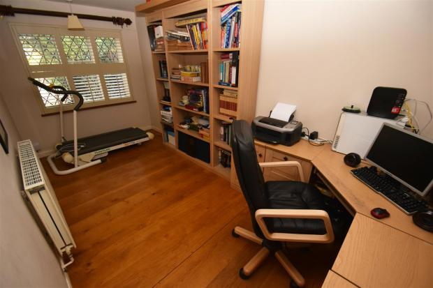 Office / bedroom fou