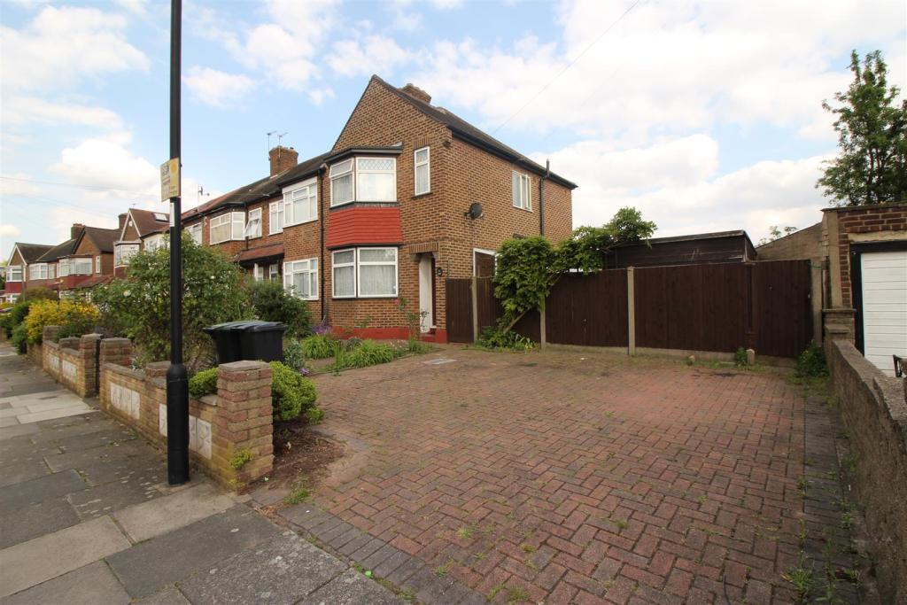 3 bedroom end of terrace house for sale in exeter road for Terrace exeter