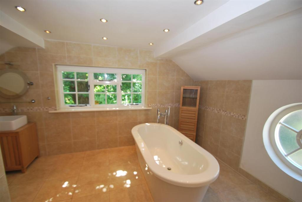 Luxury En Suite Bath