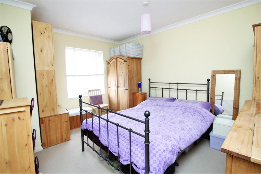 bedroom 158.jpg