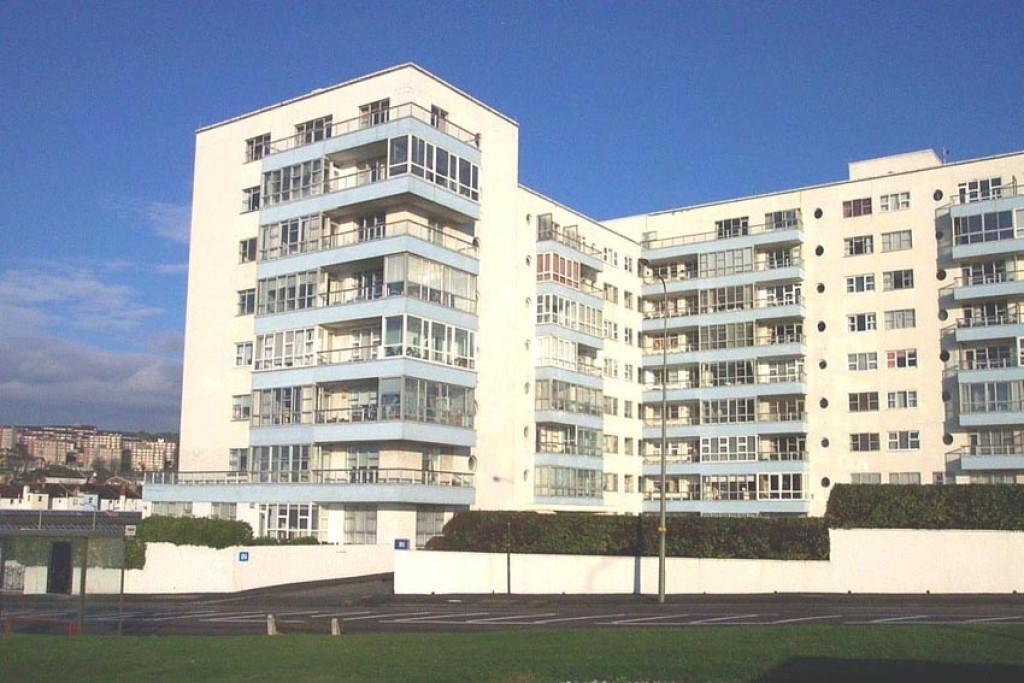 2 bedroom apartment to rent in marine gate brighton for Room to rent brighton