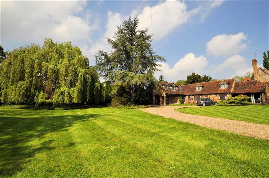 Wraysbury Property For Sale B S Bennett