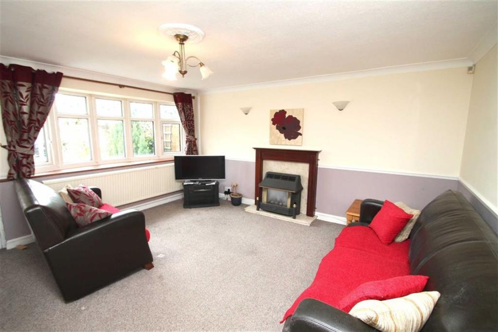 Full width lounge