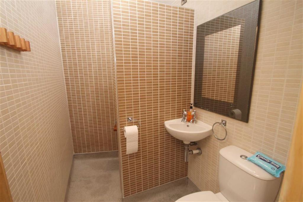 Wet Room with Shower