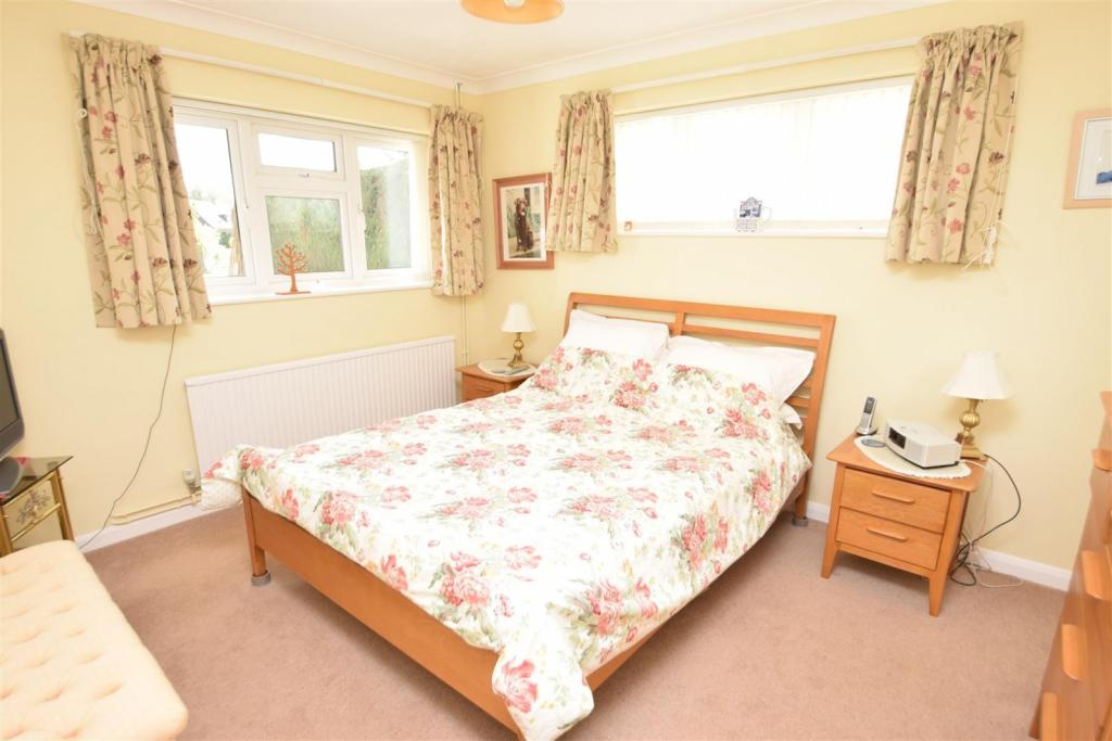 Bedroom (Ground Floo