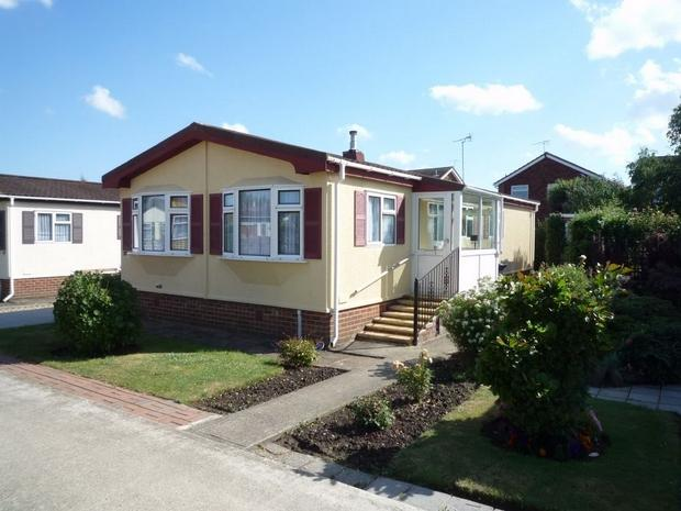 3 bedroom mobile home for sale in orchard park beltinge