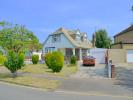 3 bedroom Detached property in Brackendale, Potters Bar...