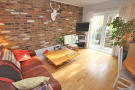 Flat to rent in York Road, Acton
