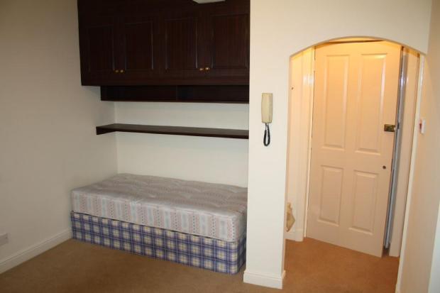 Entrance/Bed
