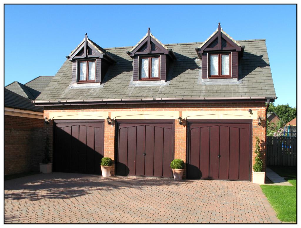 5 bedroom detached house for sale in astbury close high for Annexe garage