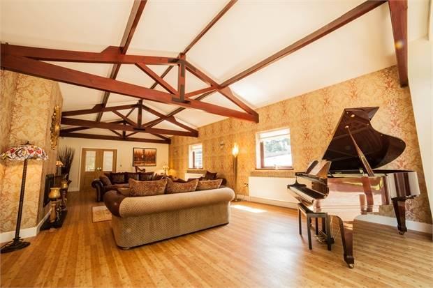 Living Room Reverse angle