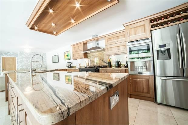 Kitchen/Breakfasting Room