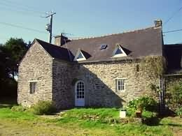 2 bed semi detached property in Brittany, Finistère...